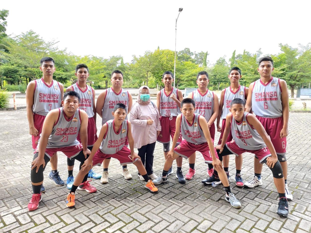 Tim Basket SMANSA Raih Kemenangan di Ajang Perlombaan Bupati Cup 2020